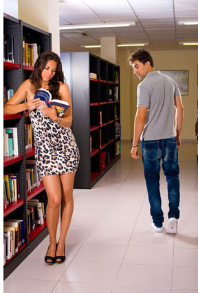 """chase dating advice Even with all we know about relationships these days, there seems to be a lot of confusion when it comes to the """"chase"""" and how that differs from """"pl a new mode love advice."""
