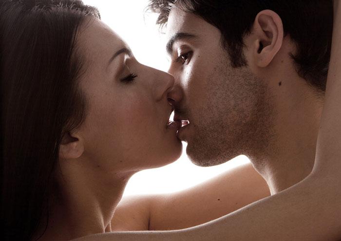 what makes a good kisser