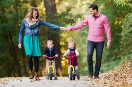 dating a woman with kids