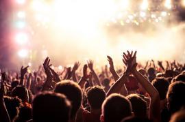 meet girls at concerts