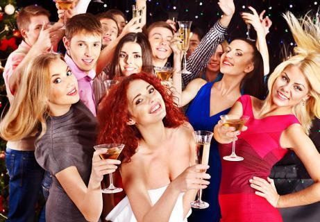 take girlfriend to a nightclub